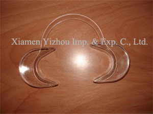 Cheek Retractor